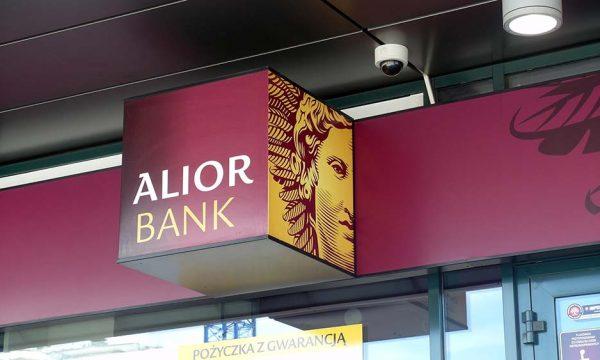 Alior Bank pozywa i przegrywa